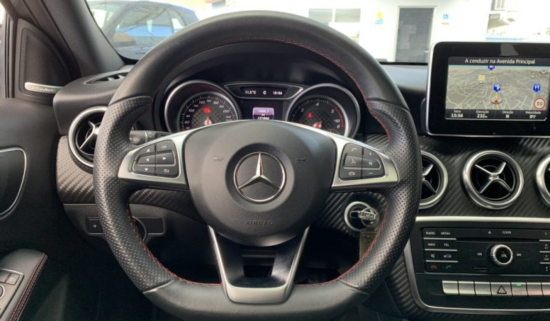 Mercedes-Benz A180 CDi AMG Line completo