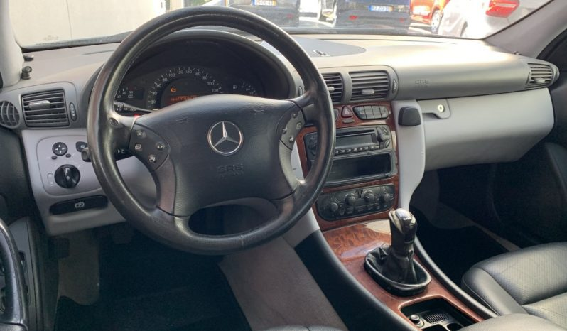 Mercedes-Benz C220 CDi Classic completo